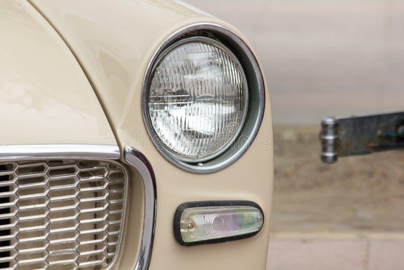 Lichten voor een uitstekende auto stock afbeeldingen