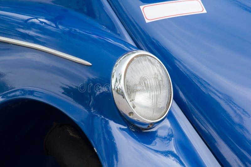 Lichten voor een uitstekende auto stock afbeelding