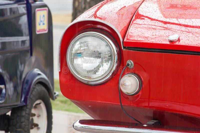 Lichten voor een uitstekende auto stock foto
