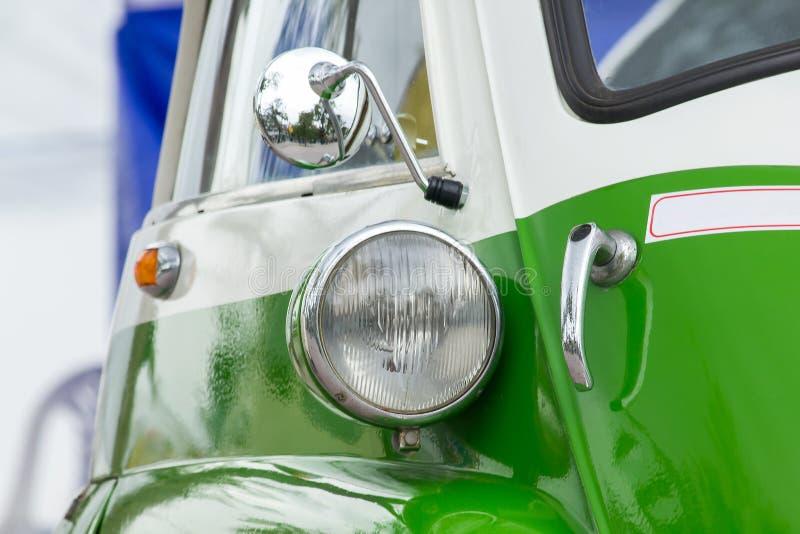Lichten voor een uitstekende auto royalty-vrije stock afbeelding