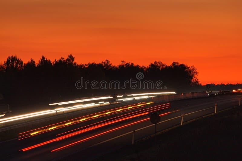 Lichter auf der Autobahn stockfotografie