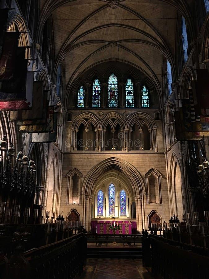 Lichter Kathedralendublins Irland heraus lizenzfreie stockfotos