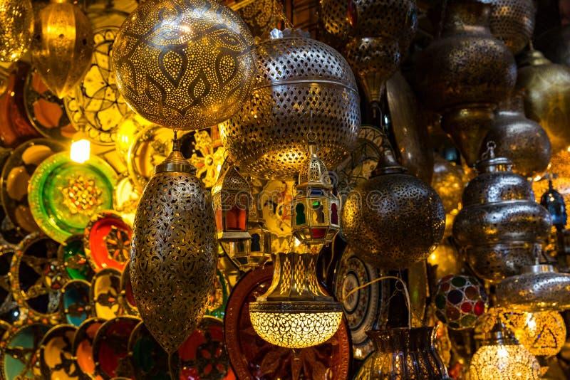 Lichter in Marrakesch Medina stockfoto