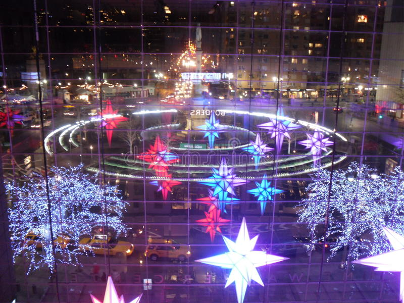 Lichter zur Zeit Warner Center bei Columbus Circle stockfotografie