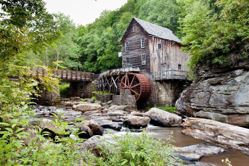 Lichtungs-Nebenfluss-Mahlgut-Mühle am Babcock Nationalpark, West Virginia lizenzfreies stockfoto
