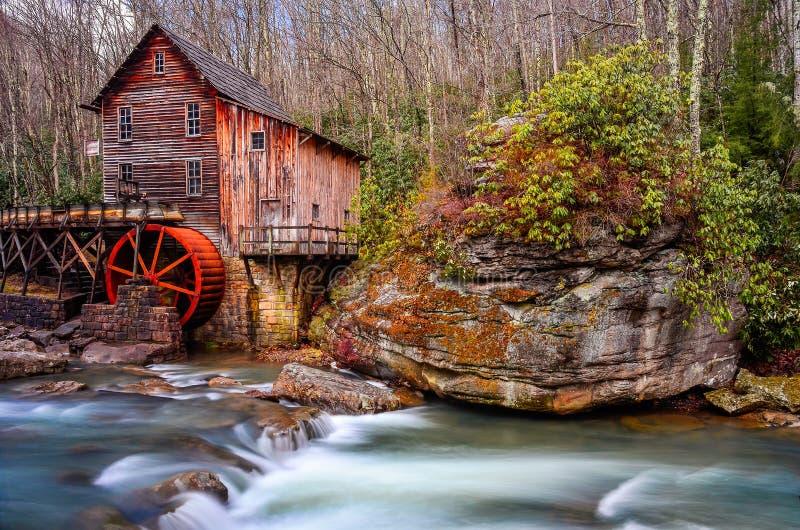 Lichtungs-Nebenfluss-Mahlgut-Mühle, Babcock Nationalpark, West Virginia stockfotografie