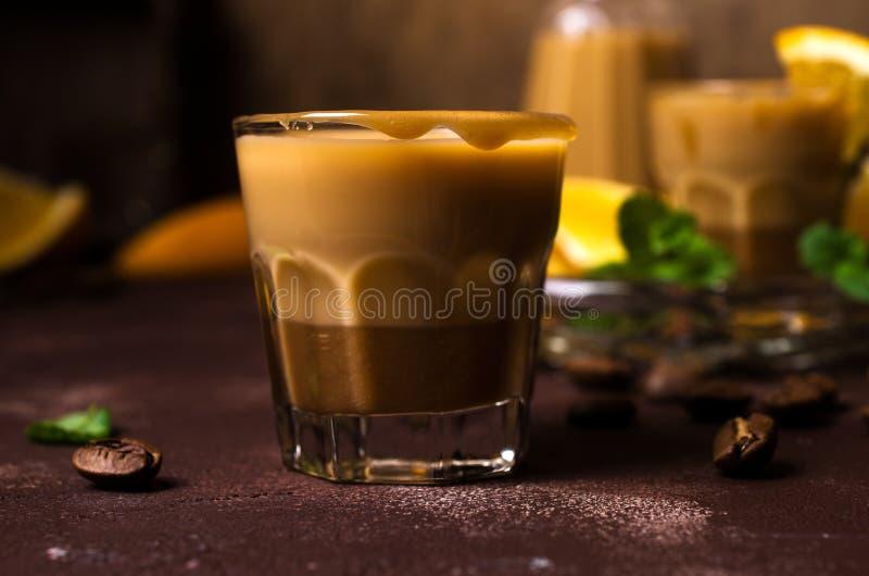 Licor de café cremoso imagenes de archivo