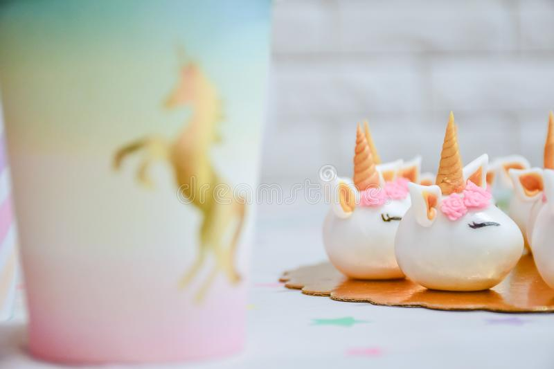 Licorne couvrant la partie photos stock