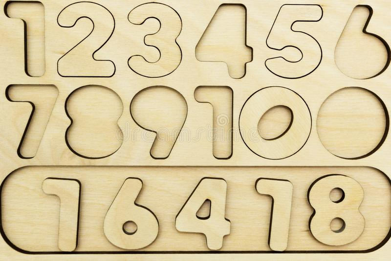 Liczby od 1 9 cią za drewnianej desce dalej fotografia stock