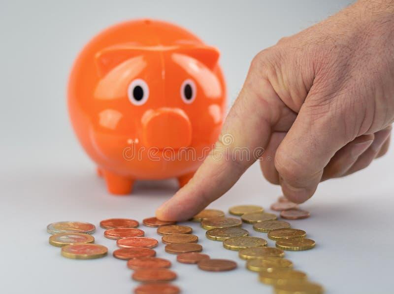 Liczyć monety ręką zdjęcie royalty free