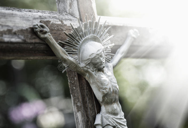 Lidandet av religionen för Jesus Christ statyfragment arkivfoton