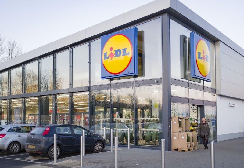 Lidl supermarket store exterior UK royalty-vrije stock afbeeldingen