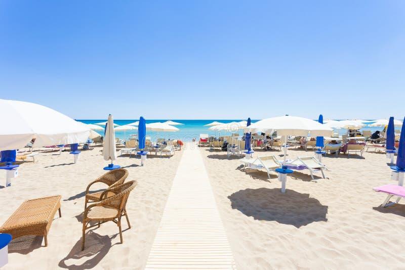 Lido Venere,普利亚- Spiaggia美丽的海滩的跑道  免版税库存图片