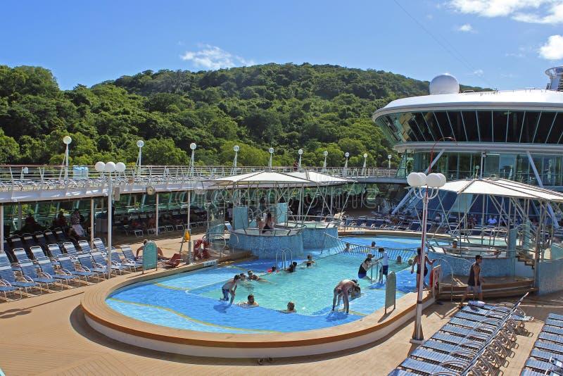 Lidodek op cruiseschip, Lifou, Nieuw-Caledonië stock foto