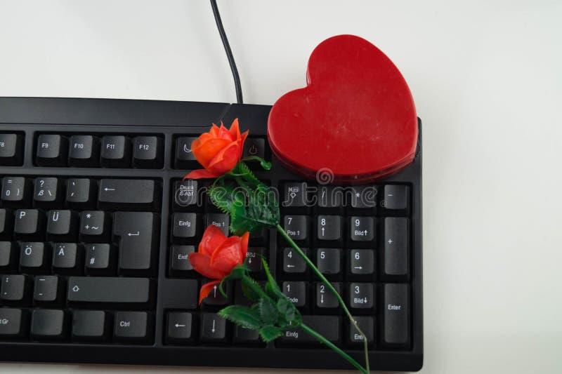 Liebe durch Klicken - on-line-Datierung lizenzfreie stockbilder