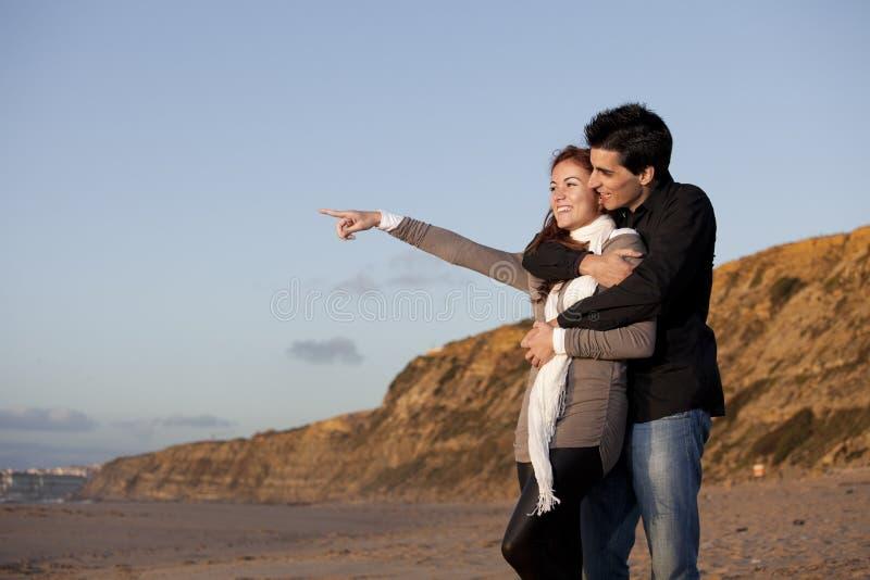 Liebe und Neigung zwischen einem jungen Paar lizenzfreies stockfoto
