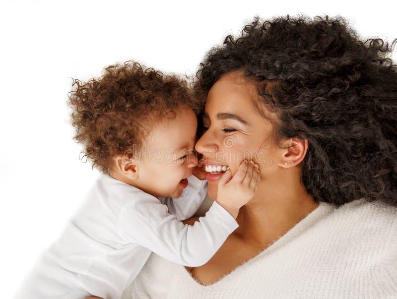 Liebe von Mutter und Kind Familie zu Hause Lifestyle lizenzfreie stockbilder