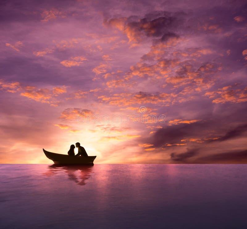 Lieben Sie Konzept, Schattenbild von den Paaren, die romantischen Moment und MA haben lizenzfreies stockbild