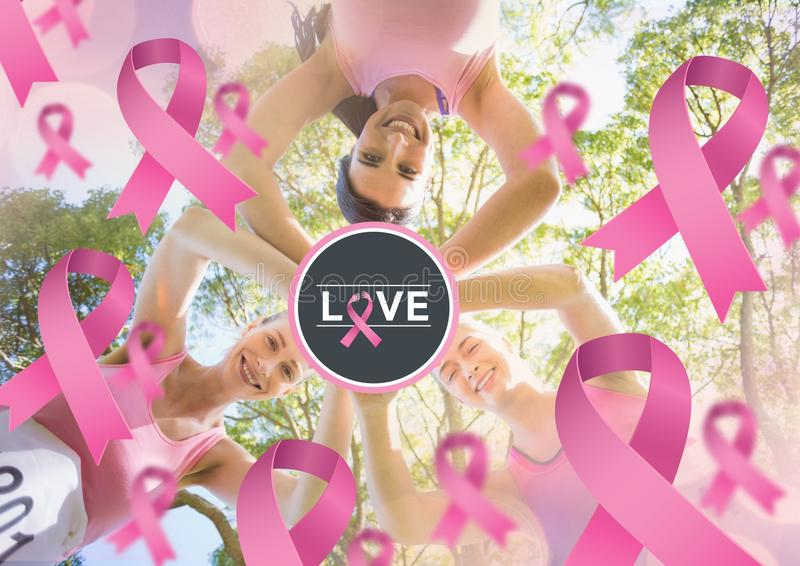Lieben Sie Text und rosa Bänder mit den Brustkrebs-Bewusstseinsfrauen, die Hände zusammenfügen vektor abbildung