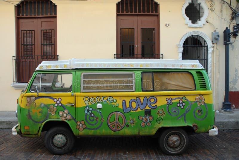 Liebesausdruck. Hippie Van lizenzfreies stockfoto