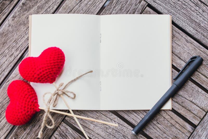 Liebesgedächtnis-Tagebuchkonzept, lizenzfreie stockfotos