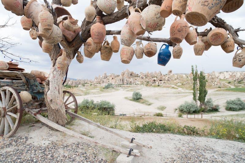 Liebestal in Goreme-Dorf, die Türkei Ländliche Cappadocia-Landschaft Steinhäuser in Goreme, Cappadocia landschaft lizenzfreie stockfotografie
