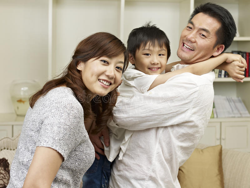 Liebevolle Familie stockbilder