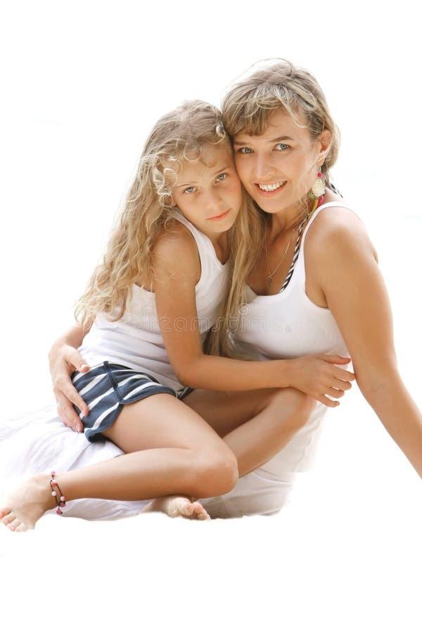 Liebevolle Mutter und Tochter lizenzfreies stockbild