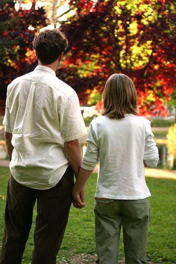 Liebevolle Paare lizenzfreie stockfotos