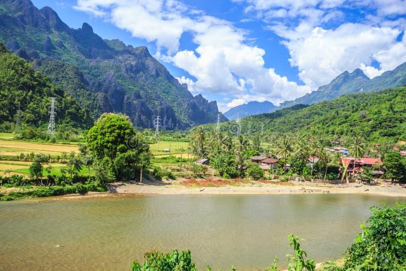 Liedrivier in Vang Vieng, Laos royalty-vrije stock foto