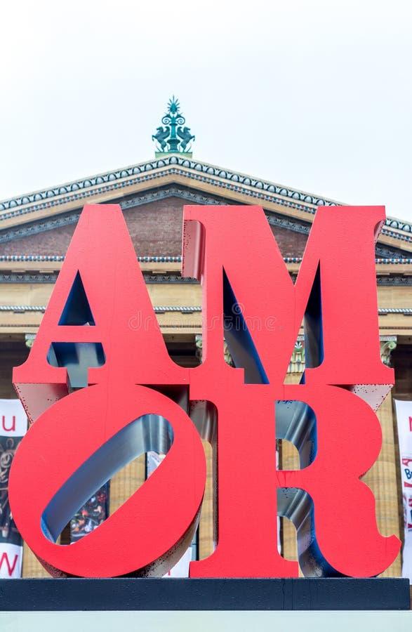 Liefde in de lucht, amor dichtbij Art Museum in Philadelphia stock afbeelding