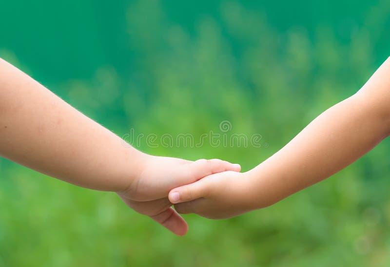 Liefde en eenheid tussen broer en zuster. royalty-vrije stock foto's