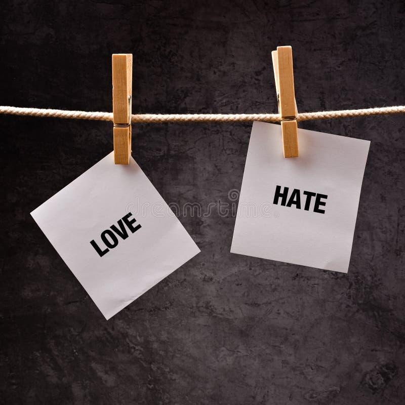 Liefde of haat conceptueel beeld stock fotografie