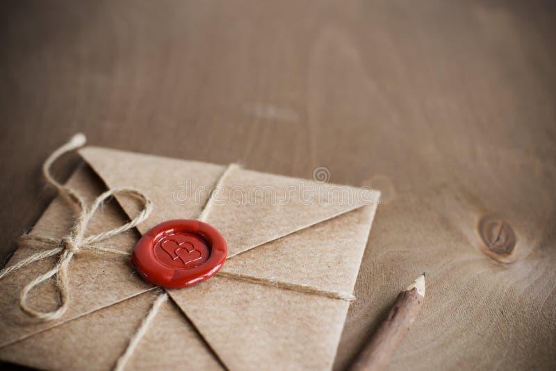 Liefdebrief en potlood royalty-vrije stock afbeelding