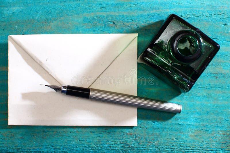 Liefdebrief en vulpen royalty-vrije stock fotografie