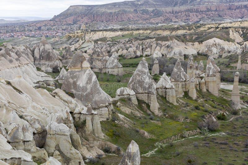 Liefdevallei in Goreme-dorp, Turkije royalty-vrije stock afbeelding