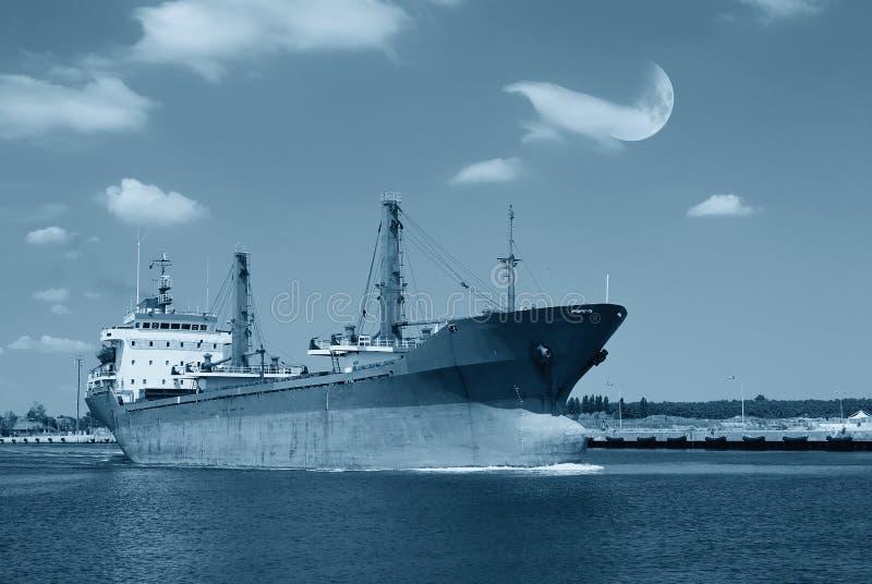 Download Lieferung nahe dem Pier stockbild. Bild von szene, verschiffen - 27735363