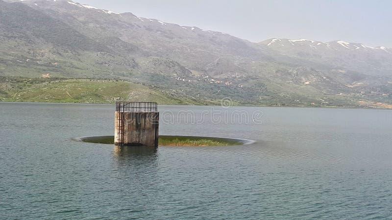 Lieferungsverdammung des Wassers in West-Bekaa Valley der Libanon Foto genommener im Jahre 2019 Spätwintervorfrühlingszeitraum Se lizenzfreie stockbilder