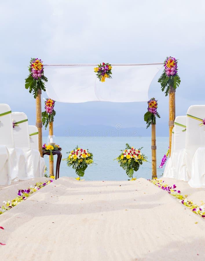Épouser sur la plage. photographie stock libre de droits