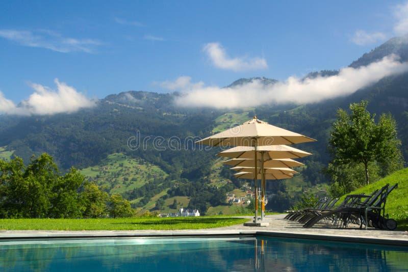 Lieu de villégiature luxueux en Suisse image stock