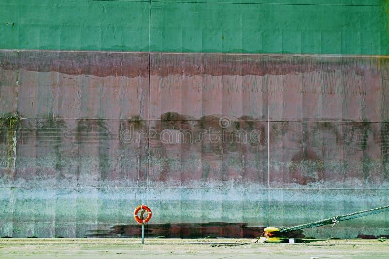 Lifebelt en schipkant stock fotografie