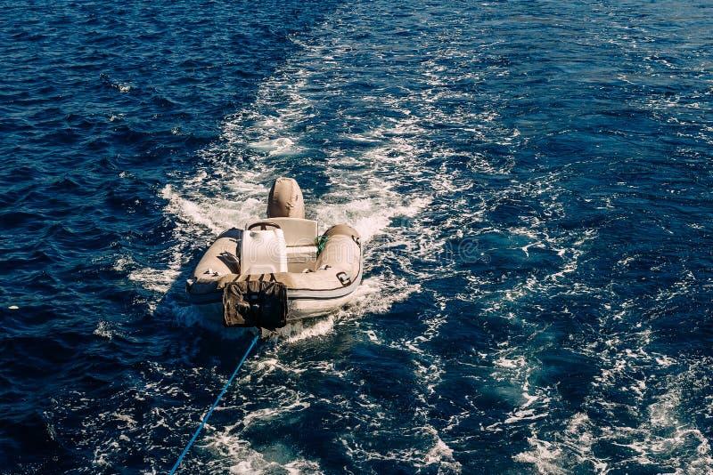Lifeboat w morzu zdjęcie stock