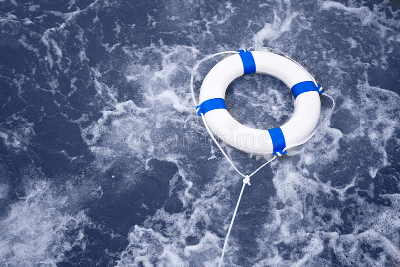 Lifebuoy, ζώνη ασφαλείας, διάσωση αποταμιευτών ζωής σε ένα ωκεάνιο σύνολο θύελλας του φ στοκ φωτογραφίες