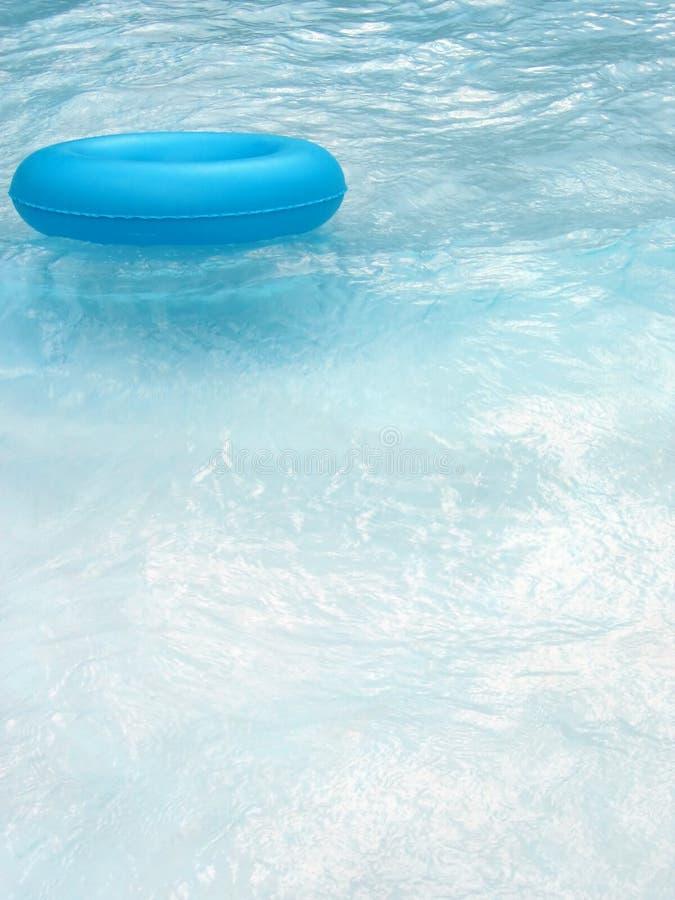 Lifebuoy azul na associação 2 fotos de stock royalty free