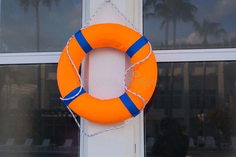 Lifebuoy na słupie obraz royalty free