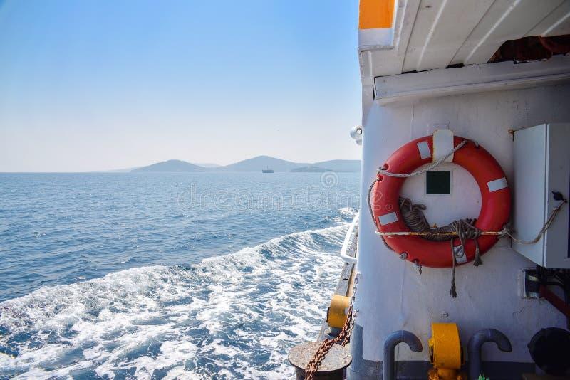 Lifebuoy na statku obrazy royalty free