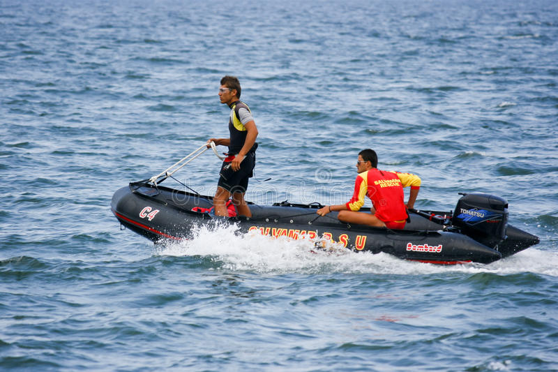 Download Lifeguard Boat In Action Editorial Stock Image - Image: 23404839