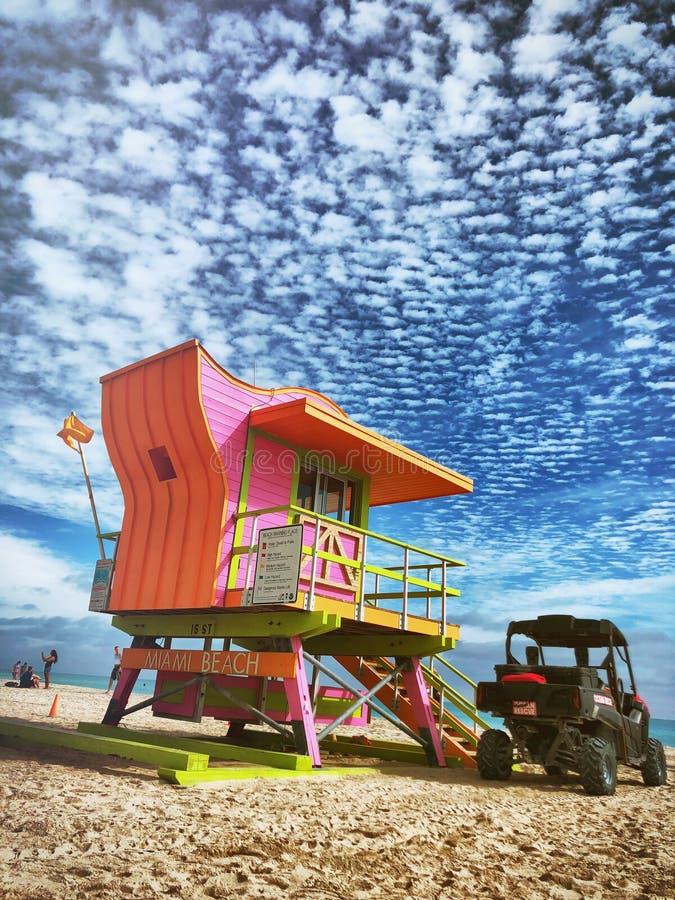 Lifeguard Hut Miami Beach, Florida, EUA imagens de stock