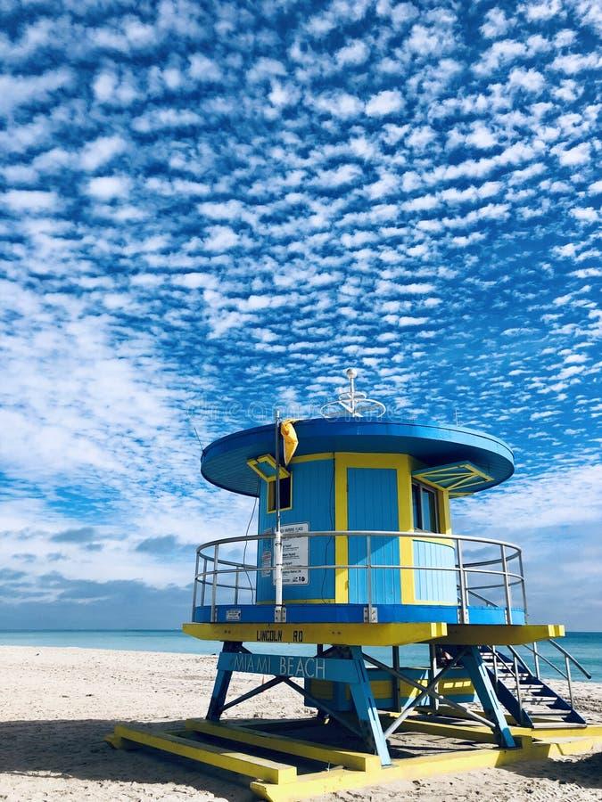 Lifeguard Hut Miami Beach, Florida, EUA fotos de stock royalty free