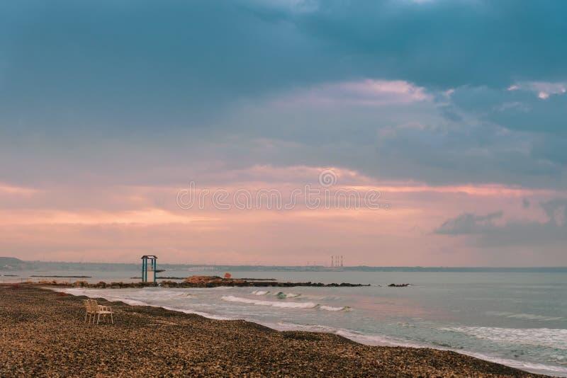 Lifeguard-toren op het strand in Larnaca stock afbeelding